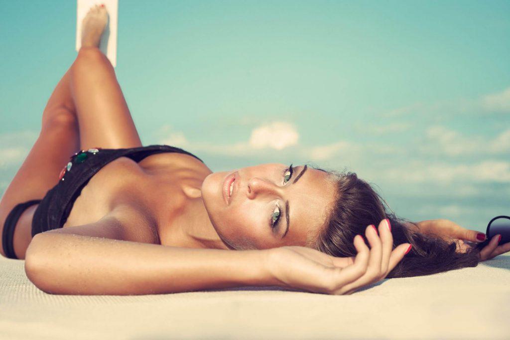 black-bikini-on-beach