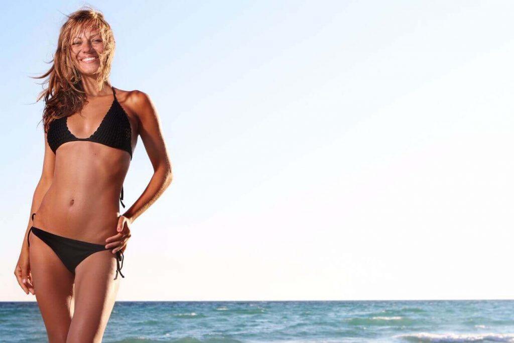 girl-black-bikini